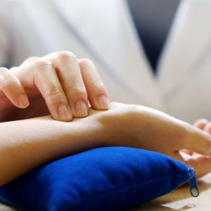 TCM Tui Na / Acupuncture with Consultation